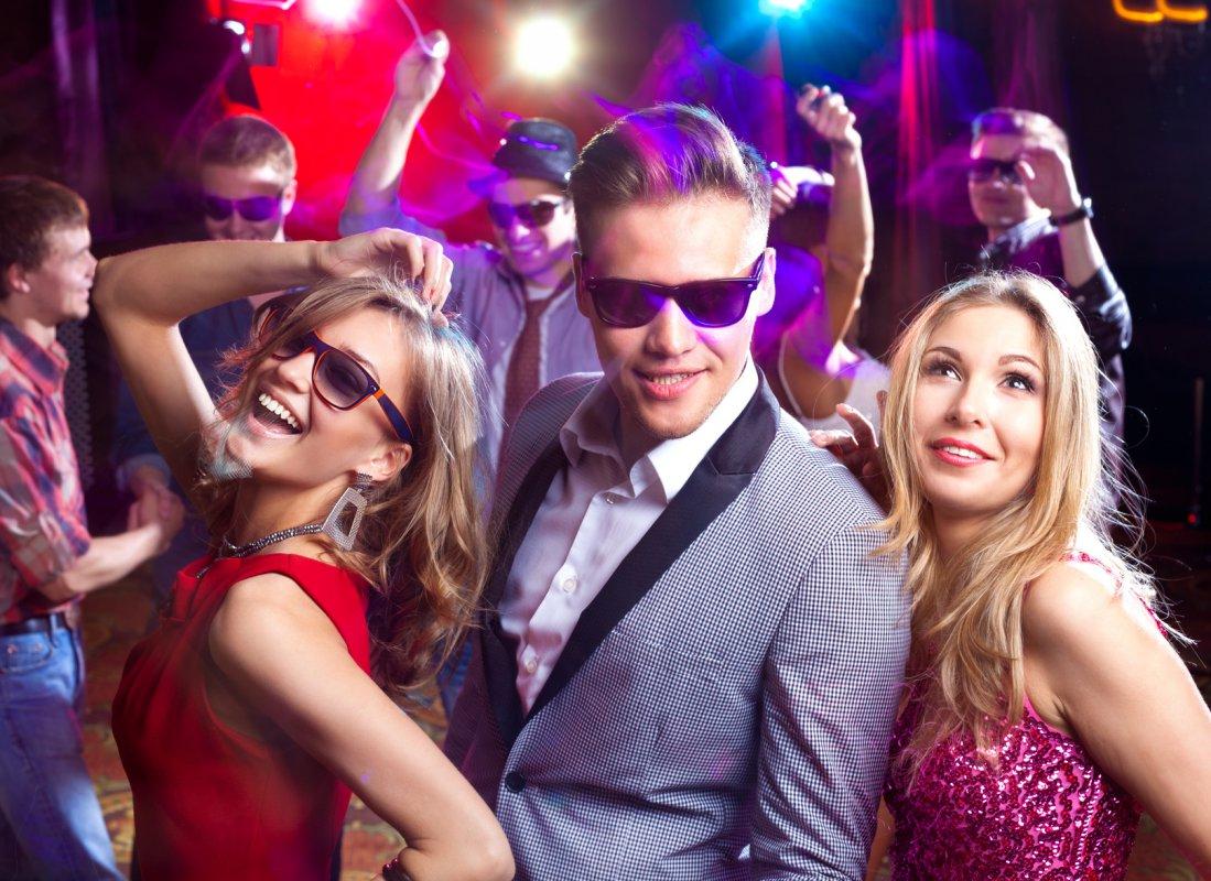 Тусовки девчонок в ночных клубах 8 фотография